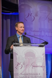 Gary Sinise accepts the Award for Courage & Patriotism.