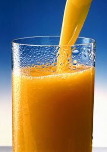 640px-Orange_juice_1