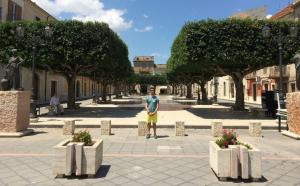 Picture of me in front of the square in Capobello di Lacata croped from Picmonkey